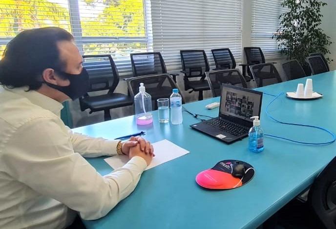 Presidente Fabiano Feltrin, acompanhando a reunião com o Governador Eduardo Leite